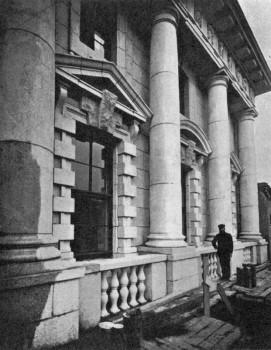 Русский торгово-промышленный банк. Колоннада. 1910-е гг..