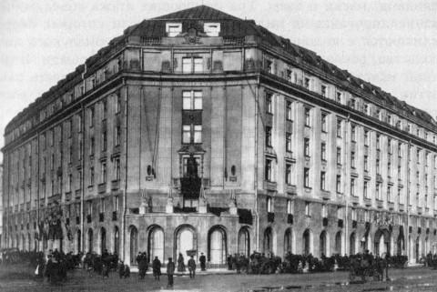 Гостиница «Астория» на Исаакиевской площади. 1912 г..