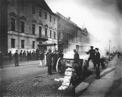 Булла К. К., Дорожные работы на Английской набережной. 1910-е гг..