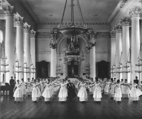 Булла К. К., Урок танцев в Смольном институте. 1905.