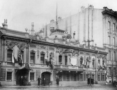 Здание американского посольства на Фурштатской ул., 34. 1913 г..