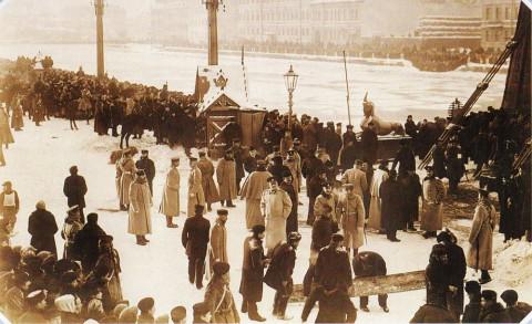 Неизвестный фотограф, Катастрофа на Египетском мосту на Фонтанке. 20.01.1905.