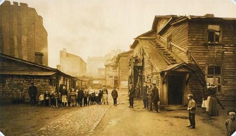 Неизвестный фотограф, Двор на Выборгской стороне. 1900-е гг..