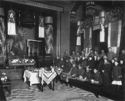 Штейнберг Я. В., В Буддийском храме. 1914-1915 гг..