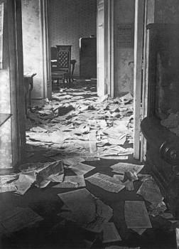 Комнаты Таврического дворца после разгона Учредительного собрания. 1918 г..
