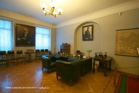Кабинет С. М. Кирова . 2008.04.13.