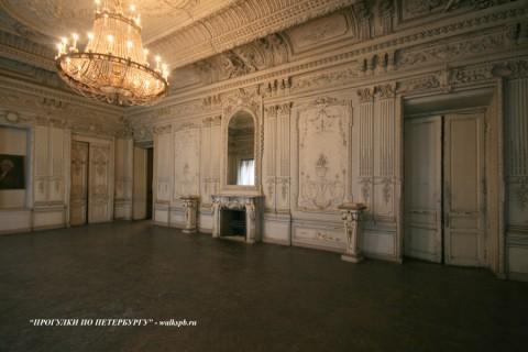 Белый (Танцевальный) зал в особняке Брусницыных. 2009.02.28.