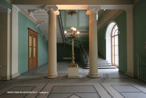 Фойе в доме И. В. Пашкова. 2009.02.13.