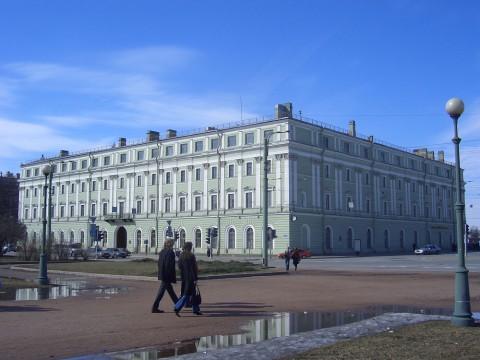 Служебный флигель Мраморного дворца. 2006.04.09.