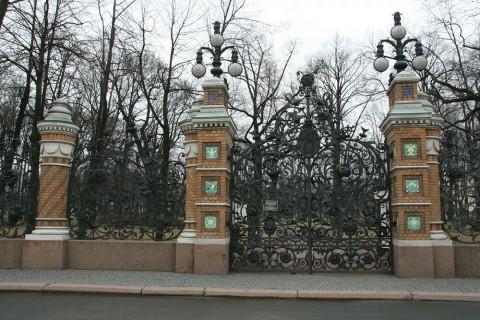 Ограда Михайловского сада. 2009.04.12.