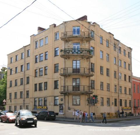 Чернега А.В., Миллионная ул. 20. 23.06.2012.