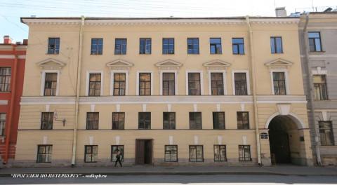 Чернега А.В., Миллионная ул. 24. 23.06.2012.