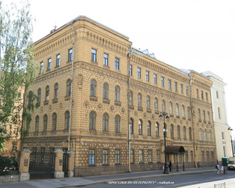Чернега А.В., Миллионная ул. 38. 23.06.2012.