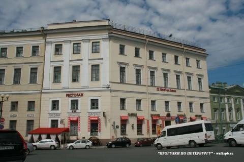 Чернега А.В., Здание Штаба гвардейского корпуса. 06.06.2013.