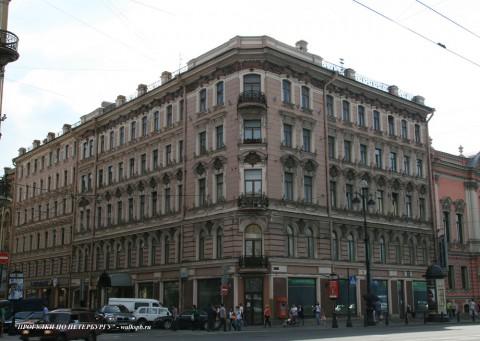 Чернега А.В., Невский пр. 43. 16.06.2012.