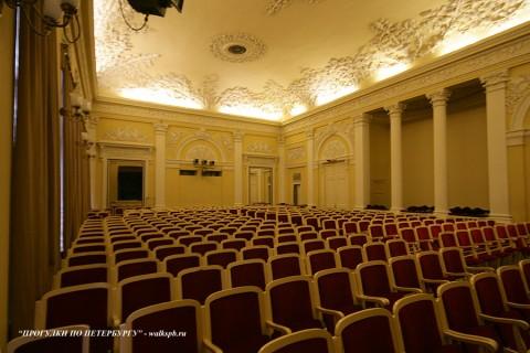 Театральный зал в особняке Д. Е. Бенардаки. 2009.11.29.