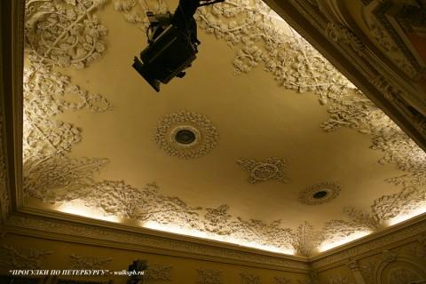 Плафон Театрального зала в особняке Д. Е. Бенардаки. 2009.11.29.