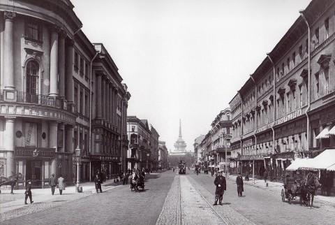 Неизвестный фотограф, Перспектива Невского проспекта от Полицейского моста в сторону Адмиралтейства. 1901 год.