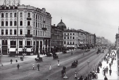 Булла К. К., Перспектива Невского проспекта от Малой Конюшенной улицы к Садовой улице. До 1902 года.