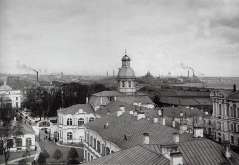 Фотоателье Буллы, Вид на территорию Александро-Невской лавры. 1915.