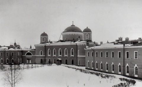 Фотоателье Буллы, Здание Чесменского инвалидного дома (военной богадельни) с находившейся в ней церковью Рождества Христова. 1900-е годы.