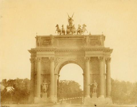 Юар Э., Нарвские триумфальные ворота. 1857 год.