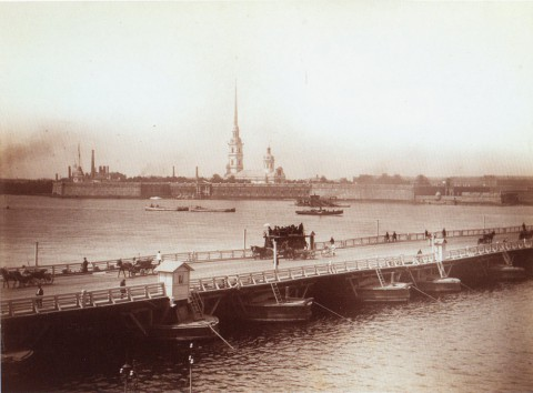 Троицкий мост и панорама Невы