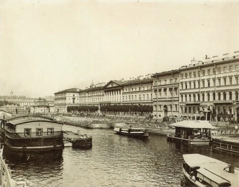 Неизвестный фотограф, Набережная Фонтанки, близ Аничкова моста. 1910-е годы.