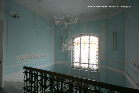 Парадная лестница в особняке М. Зива. 2009.02.04.