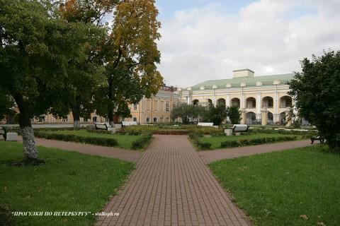Чернега А.В., Сквер Воронцовского дворца. 03.10.2009.