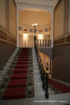 Парадная лестница в Доме военного министра. 2010.02.23.