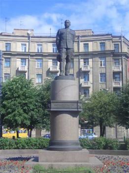Памятник Л. А. Говорову. 2006.07.04.