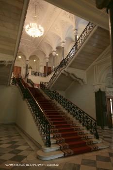 Парадная лестница в Николаевском дворце. 2009.09.06.
