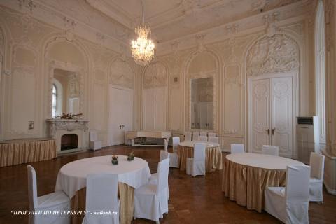 Зал в Николаевском дворце. 2009.09.06.