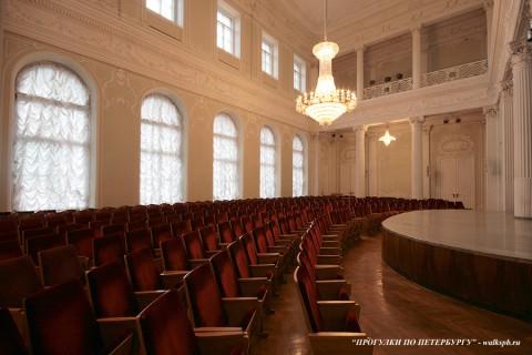 Театральный зал в Николаевском дворце. 2009.09.06.
