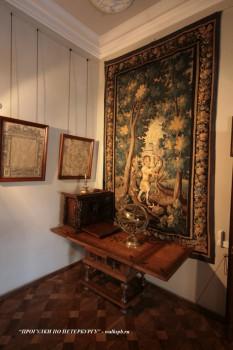 Фрагмент музейной экспозиции в Меншиковском дворце. 2009.01.24.
