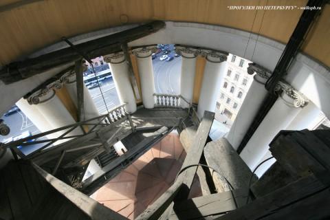 Чернега А.В., Лестница колокольни Владимирского собора. 10.06.2012.