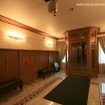Вестибюль в особняке В. С. Кочубея