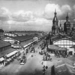 Вид на Сенную площадь. Павильоны рынка и церковь Успения Пресвятой Богородицы