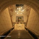 Парадная лестница (вид из вестибюля)