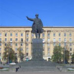 kirovskaja-ploschad/21_3841__kirov_pam.jpg