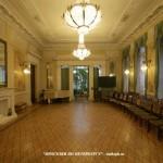 Белый зал в особняке М. Ф. Кшесинской