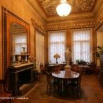 Комната в особняке Д. Е. Бенардаки