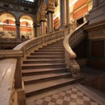 Лестница Большого выставочного зала