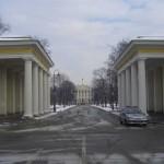 Пропилеи здания Смольного института